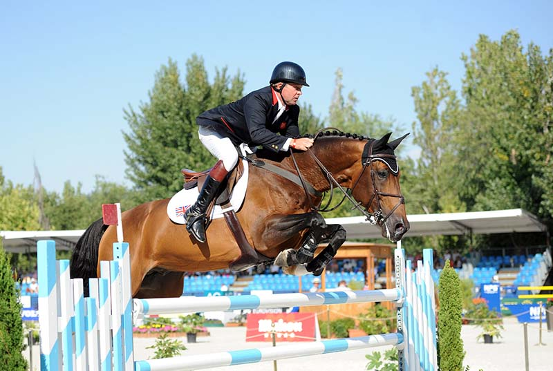 Nick Skelton showjumping with Big Star